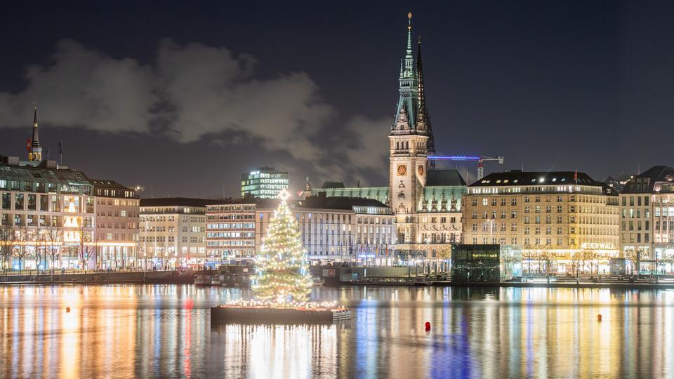 weihnachtsbaum-alster-hamburg-101__v-videowebl.jpg